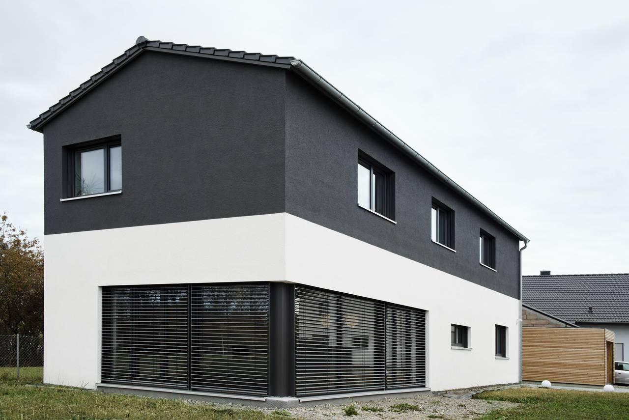neubau low budget und luxus einfamilienhaus als kfw 55. Black Bedroom Furniture Sets. Home Design Ideas