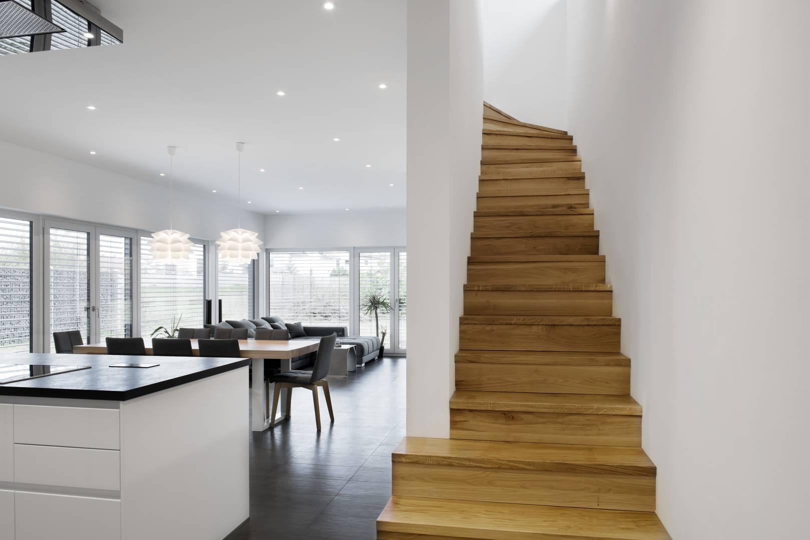 Neubau Low-Budget und Luxus? Einfamilienhaus als KfW 55-Effizienzhaus.