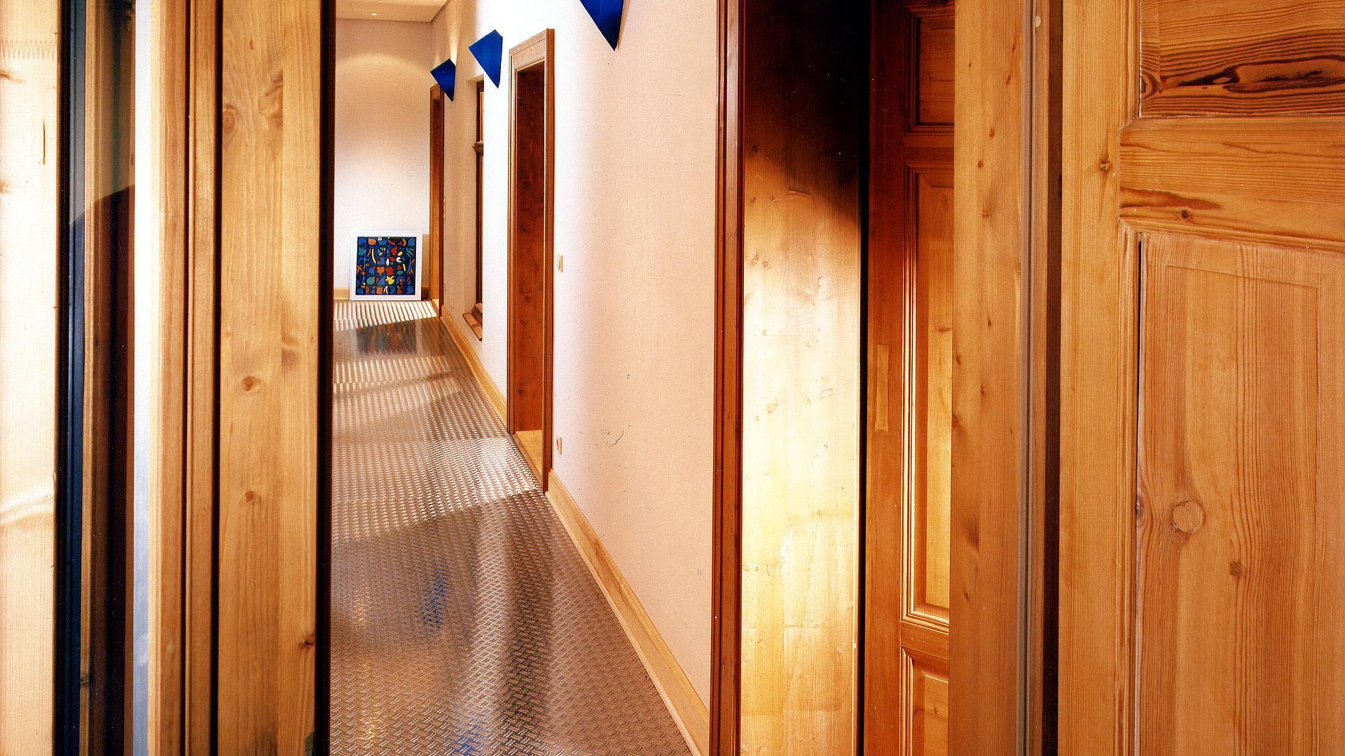 restaurierung umbau und sanierung historischer architektur. Black Bedroom Furniture Sets. Home Design Ideas